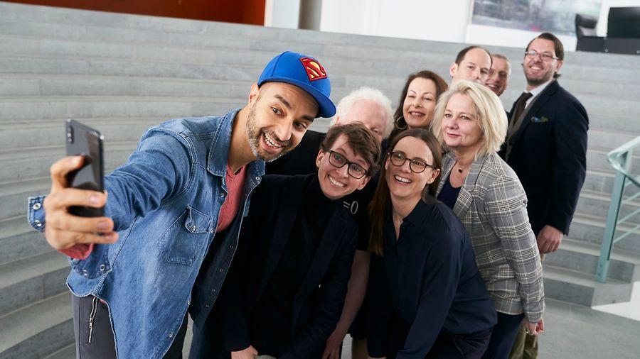 Selfie mit Ijad Madisch und den Mitgliedern des Digitalrat